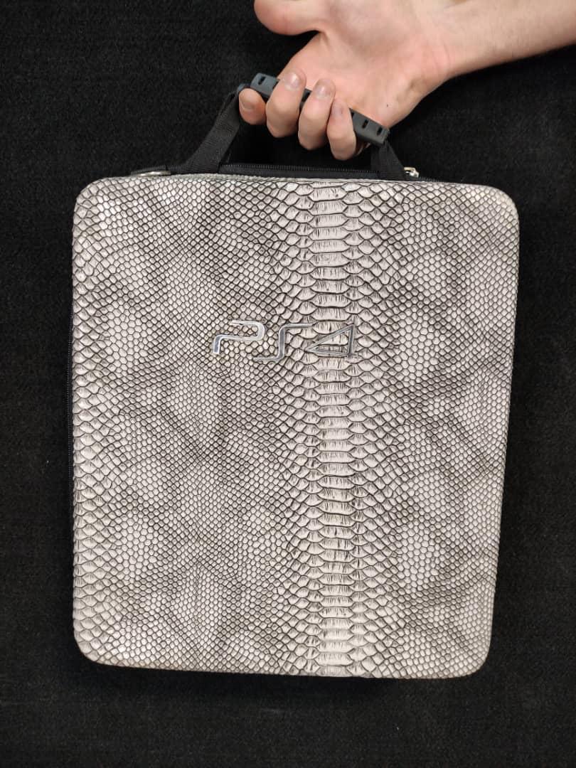 خرید کیف حمل کنسول PS4 مدل پوست ماری 3